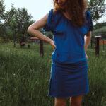 Šaty s pasem