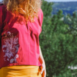 Tričko letní s rozstřihem s potiskem